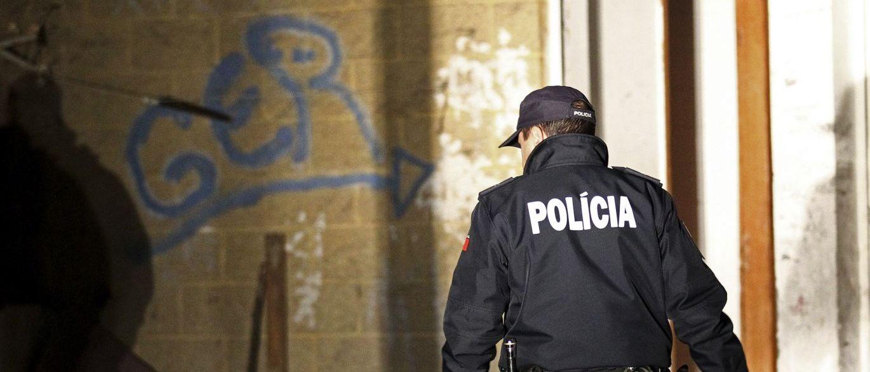 PSP do Porto averigua caso de rapariga vítima de abusos em autocarro