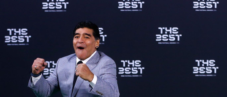 Maradona não só não processou produtora de 'PES' como ainda a vai apoiar