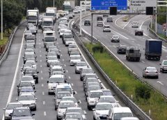 """Trânsito """"entupido"""" na VCI devido a dois acidentes"""